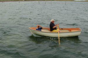 fiskerne-gaar-i-land